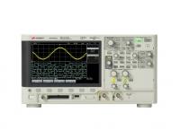 示波器:200 MHz,2 個類比通道 + 8 個數位通道